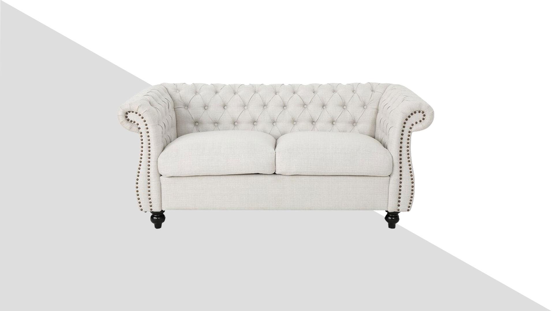 Скачать модель дивана молочного цвета вклассическом стиле для работы вфотошопе