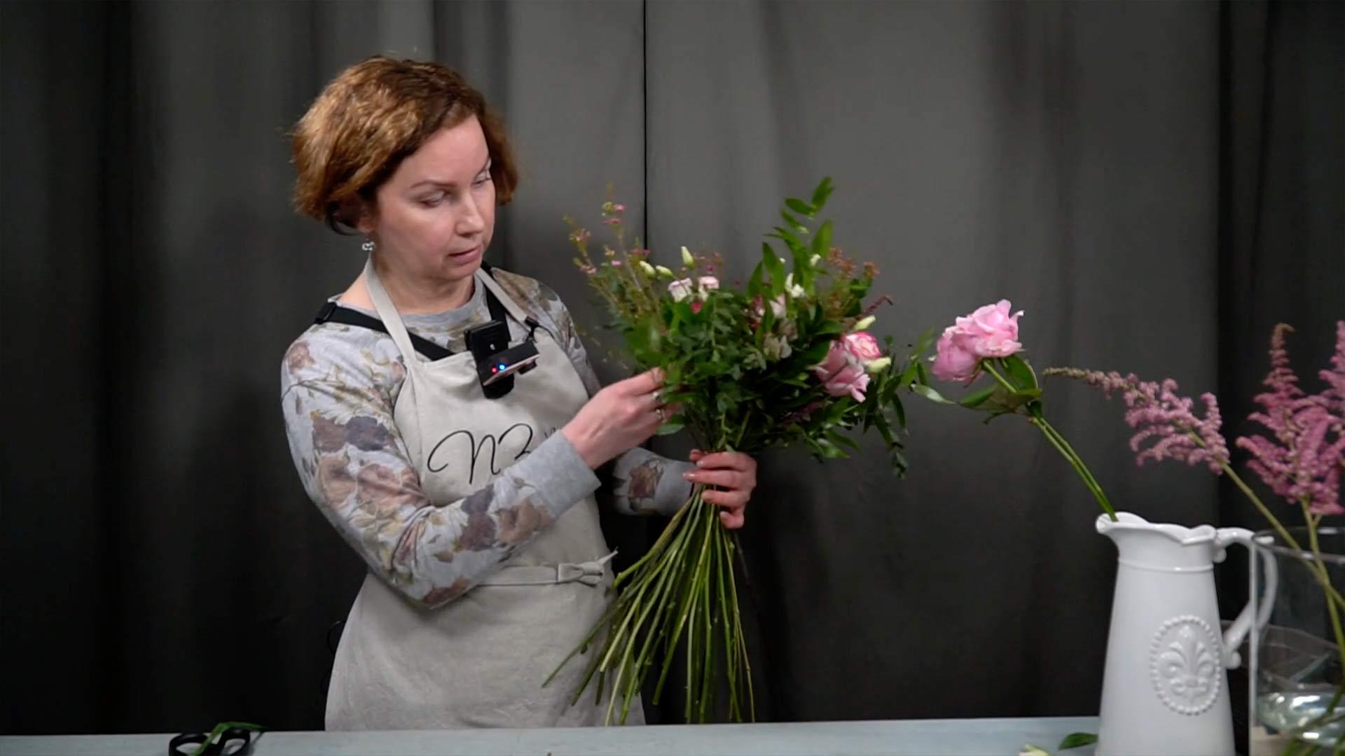 Видео мастер-класс «Техника выполнения свадебного букета. Букет свободной формы»