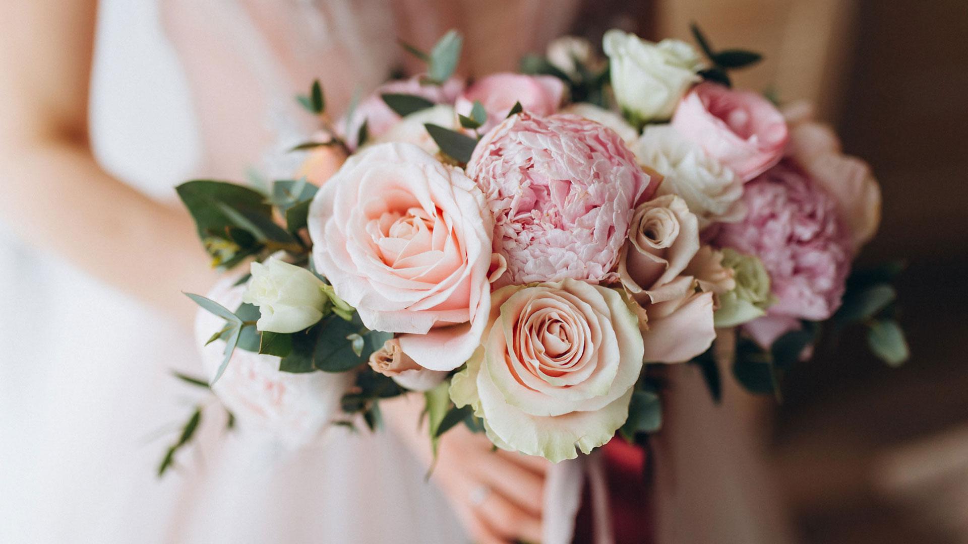Секреты стойкого свадебного букета